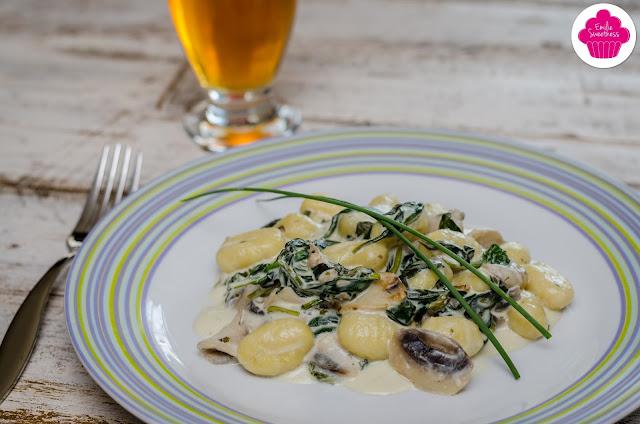 Gnocchis aux pousses d'épinards et au fromage frais - Recette Express