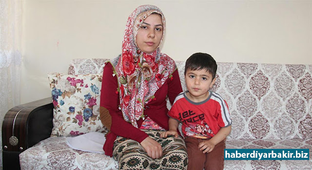 DIYARBAKIR-Three children's mother Aşkın Can who lives in Diyarbakır caught bone tumor in her leg 5 years ago. Doctors said that if the operation is not done, the leg will be cut off, 'Can', had been operated once with the help charitable people, but once the tumor is out again.
