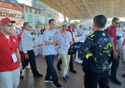Bupati Lampung Barat Jalan Sehat Bersama Presiden Jokowi