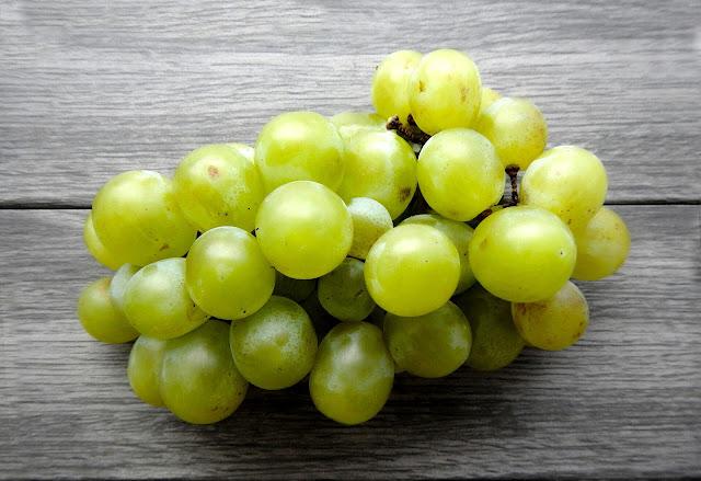 Maseczka z winogron i ...?