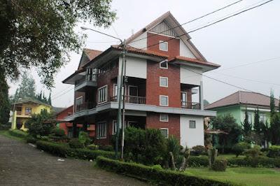 villa 9 kamar