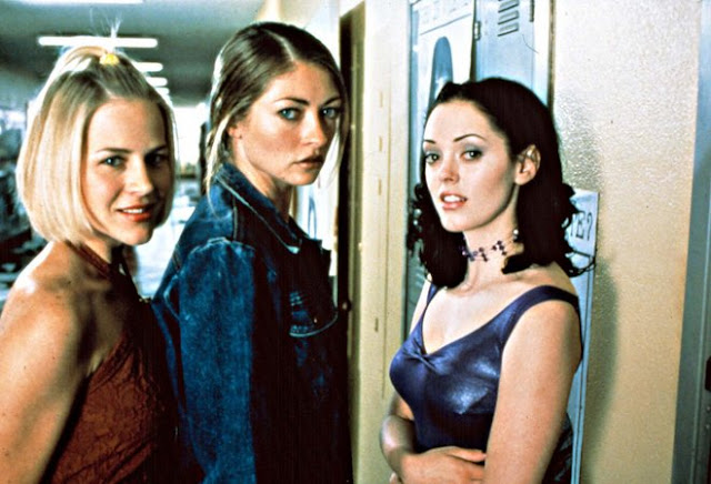Julie Benz, Rebecca Gayheart, and Rose McGowan in Jawbreaker
