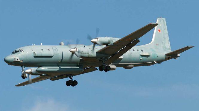 Российский военный самолет Ил-20