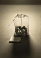 varias píldoras dentro de saco de té