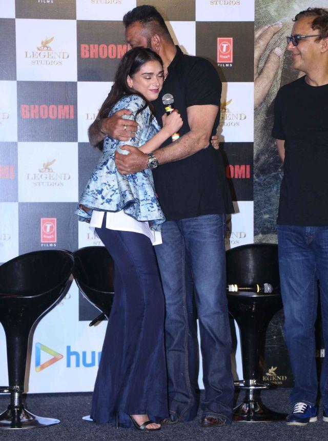 Aditi Rao Sanjay Dutt At Bhoomi Movie Trailer launch