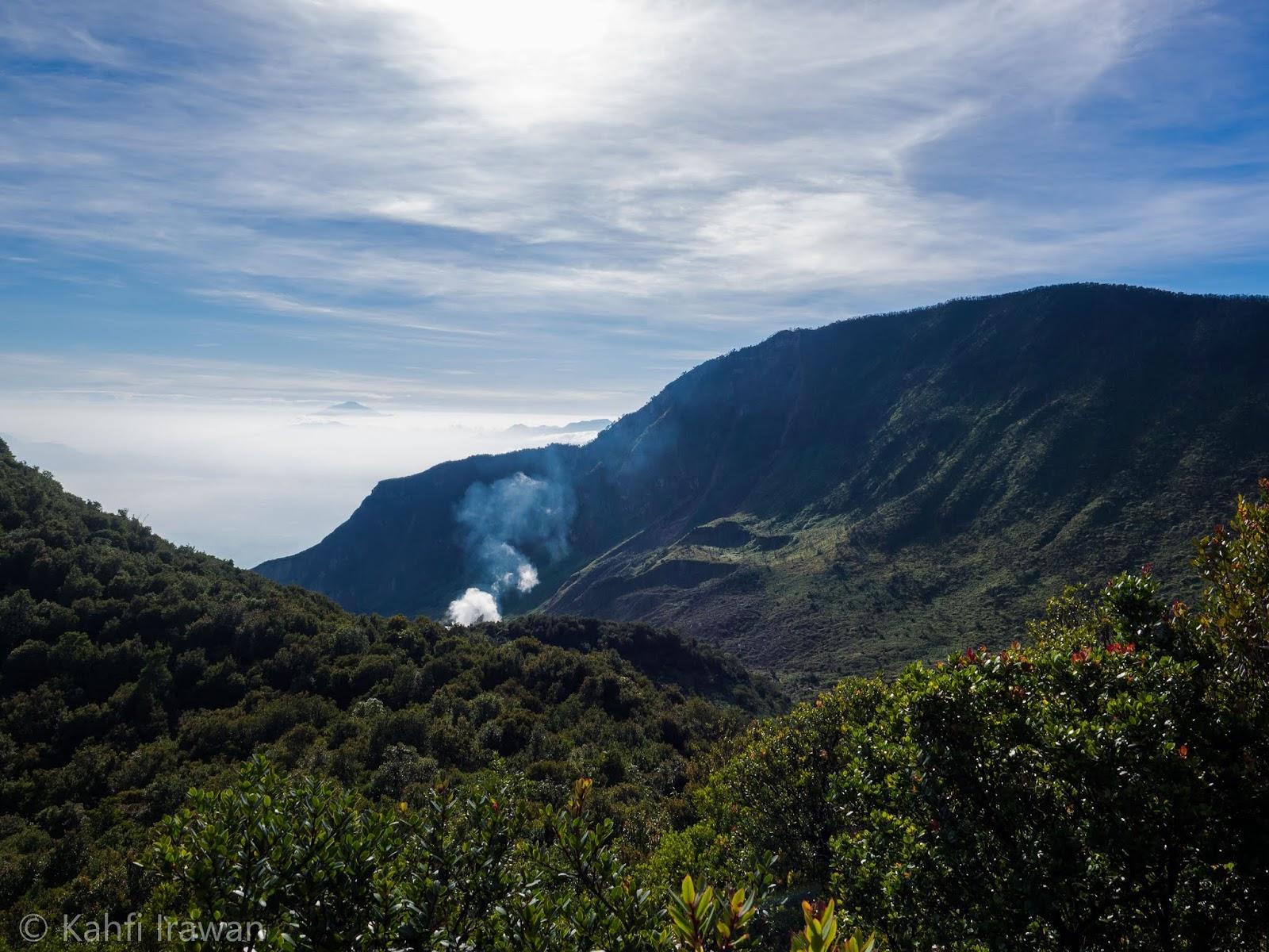 Berburu foto Landscape di Gunung Papandayan