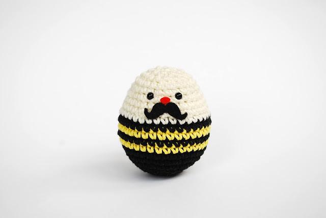 patrón-gratis-amigurumi-tentempié-tentetieso-crochet-ganchillo-muñeco-forzudo-circo