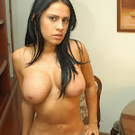 Andrea Rincon, Selena Spice Galeria 34 : Blue Jean Y Blusa Con Flores Foto 168