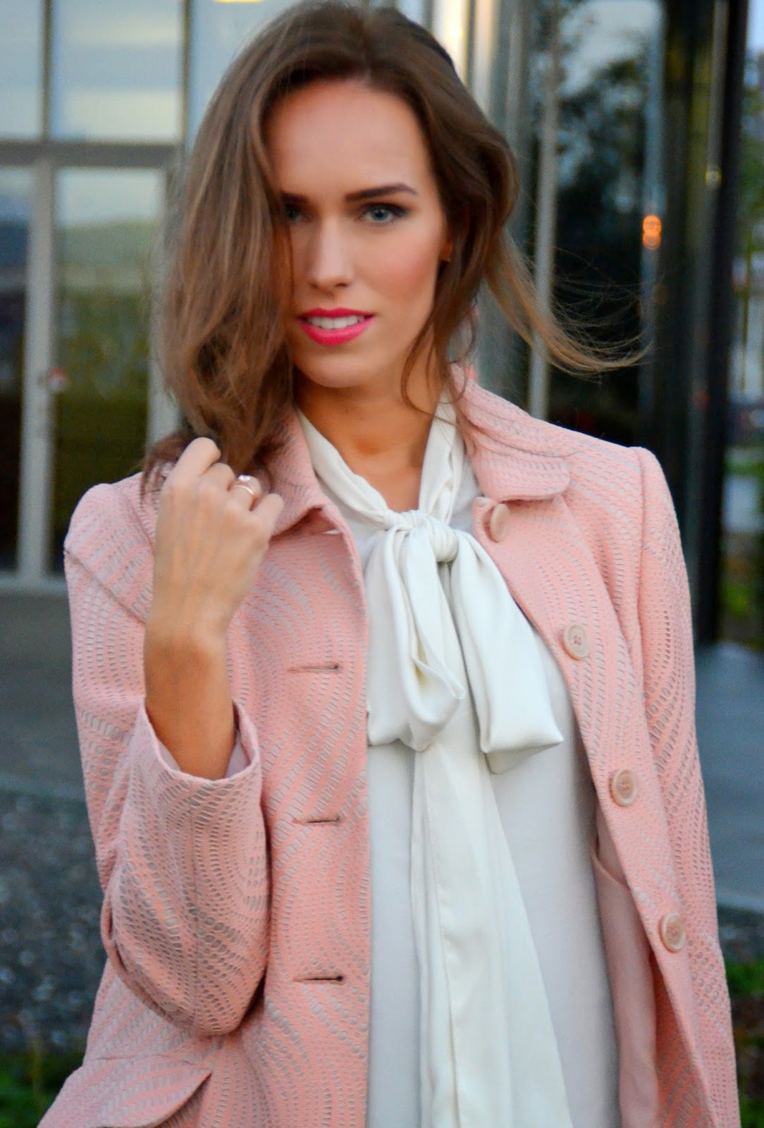 white-bow-shirt-asos-pink-coat-primark