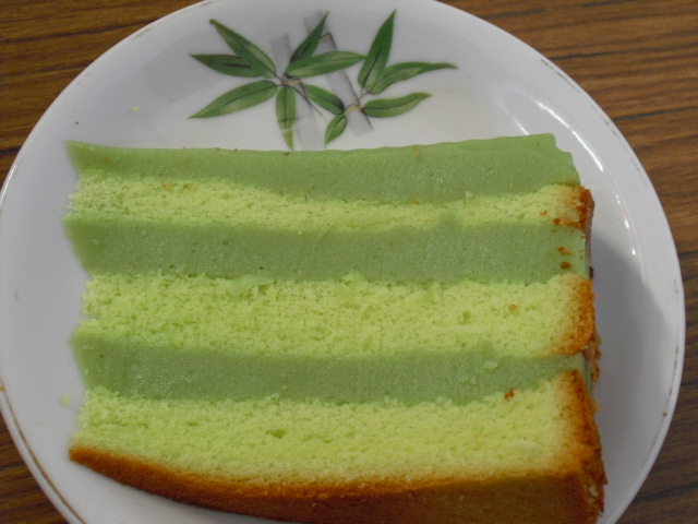 Pandan Cake Jelly Recipe: Colorful World: Pandan Layer Sponge Cake 百吃不厌的班兰千层糕
