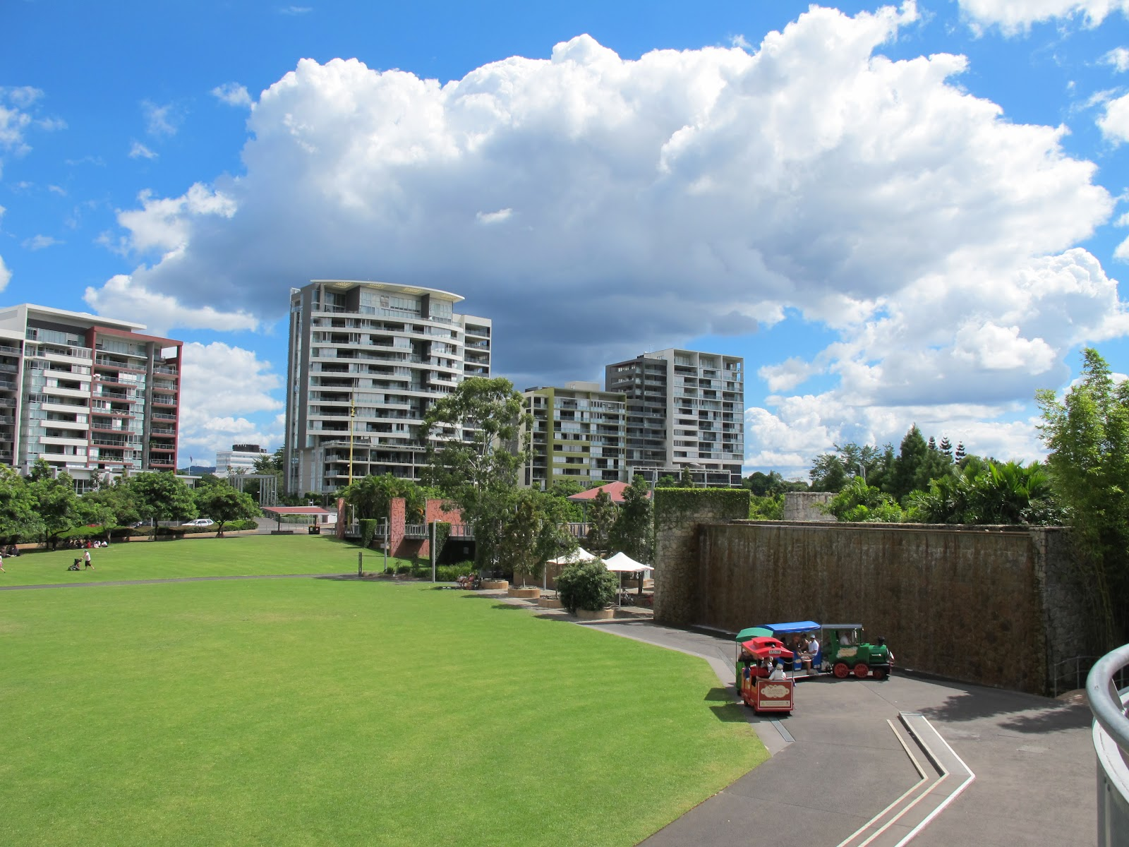 Roma Street Parklands Property For Sale