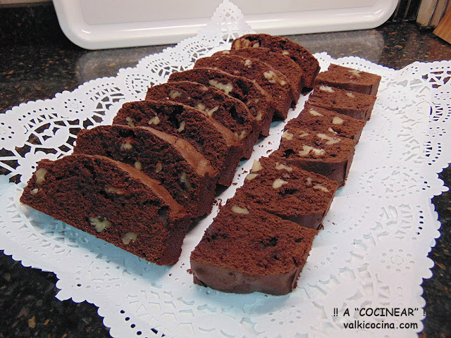 Brownie de chocolate y nueces con helado