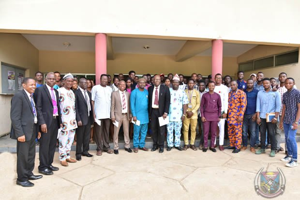 FUTA Alumni Give Indigent Students Scholarship
