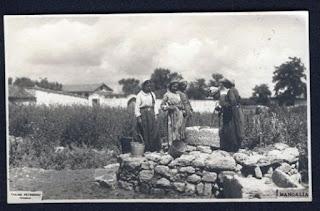 Tinere la fântână în prima jumătate a secolului al XX-lea, la Mangalia