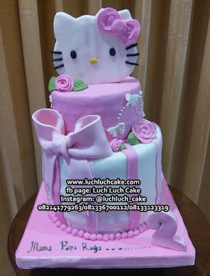 Kue Tart Tingkat Hello Kitty Pink