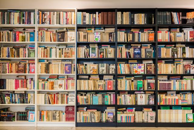 Ini Ciri-Ciri Buku Bajakan dan Tips Membeli Buku Original dengan Harga Murah