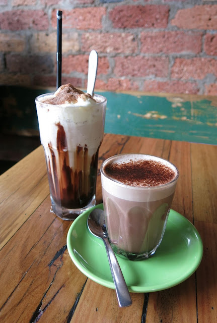 Di Bella Coffee Roasting Warehouse, hot chocolate, iced chocolate