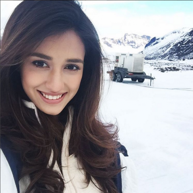 Cute look photos of Disha Patani free downloads
