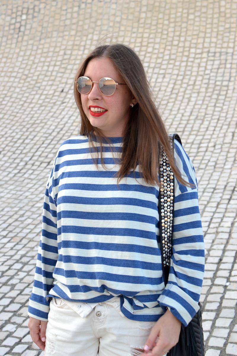 mariniére zara, short en jean blanc Pimkie, sac M maje, bandouliere lily push, lunette de soleil rose Asos