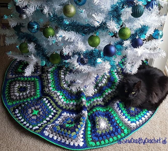 Easy Crochet Christmas Tree Skirt: Granny Square Christmas Tree Skirt