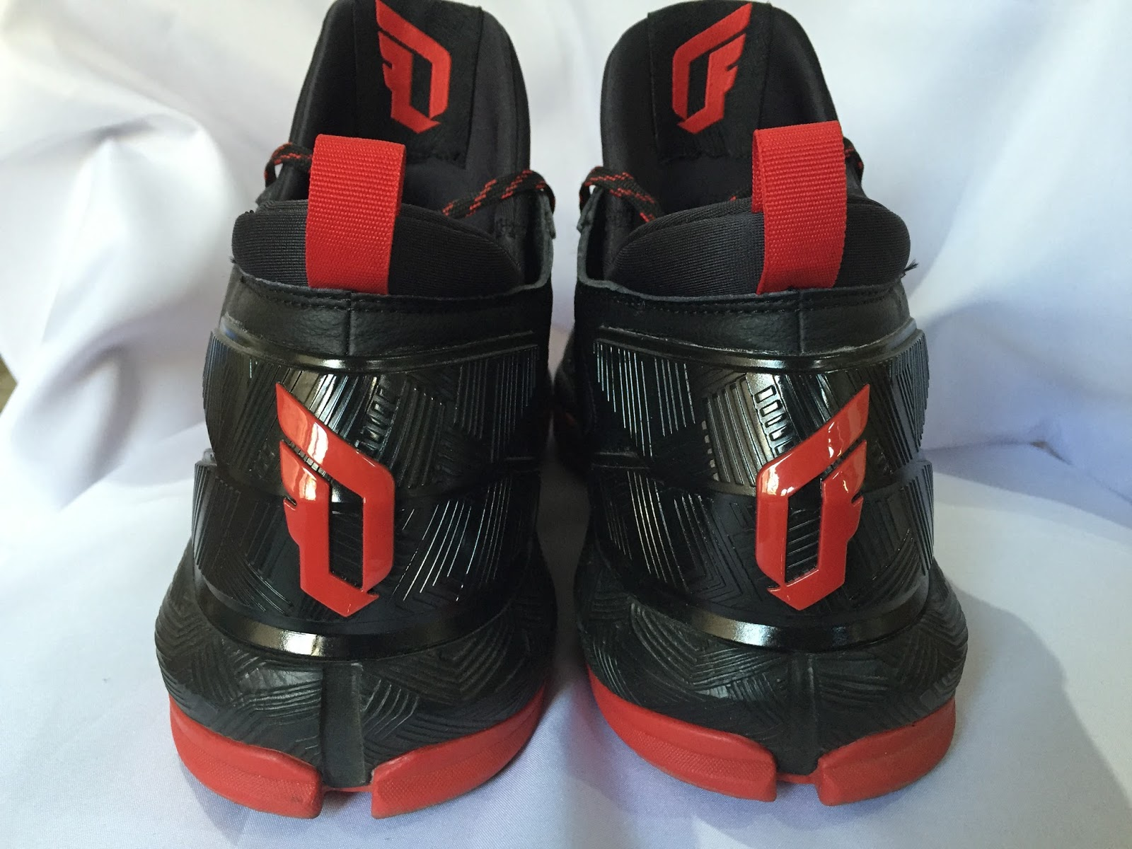The only time I experienced heel slippage was when I laced them loosely  while walking to the court. Once you tug on them laces and knot them ee0d4d9a5