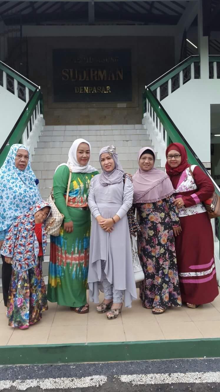 Dress Muslim, Salah Satu Busana Yang Digemari Wanita Muslimah Jaman Now