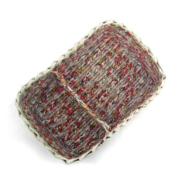 prostokątny, pleciony koszyk