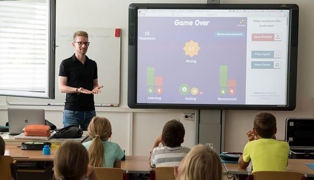 Cara Mengajar TIK yang Menyenangkan di Sekolah