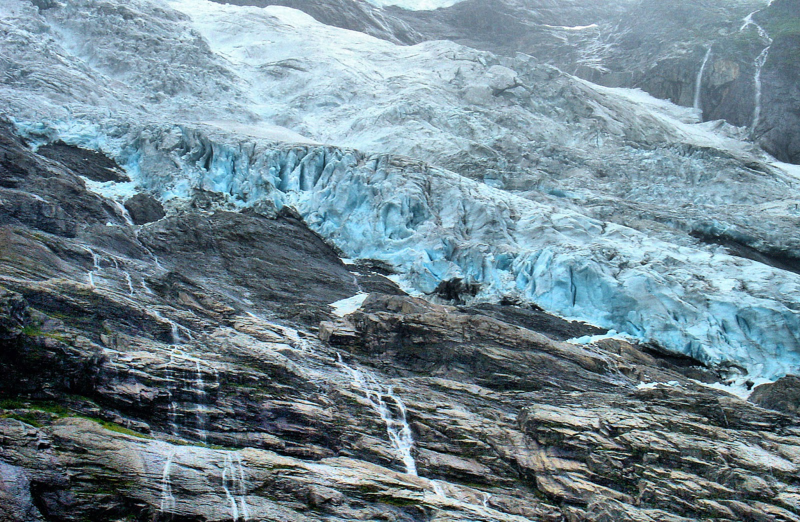 The Bøyabreen Glacier.