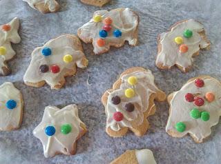 Blogmas day 7/Φτιάχνουμε Χριστουγεννιάτικα μπισκότα