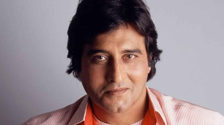 Body of veteran Bollywood actor Vinod Khanna cremated in Mumbai
