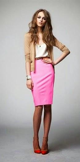 Saia rosa e sapatos vermelhos