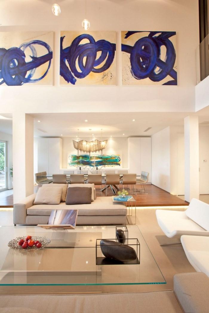 Hogares frescos dise o interior de una casa moderna en - Casas diseno interior ...