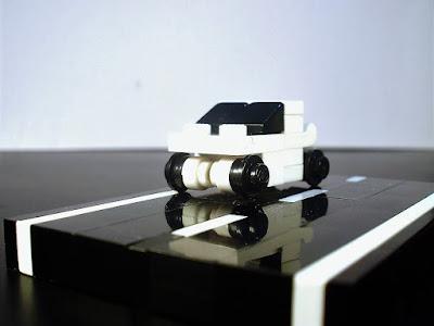 MOC LEGO Nano carro branco