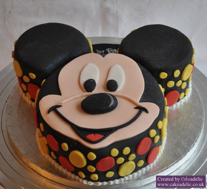 Mickey mouse face cupcake cake the for Mickey mouse face template for cake