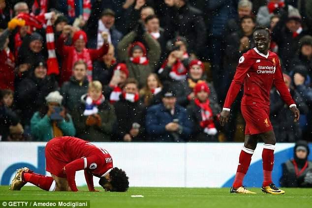 """Liverpool """"phát sốt"""" vì Salah nhịn ăn trước chung kết UCL"""