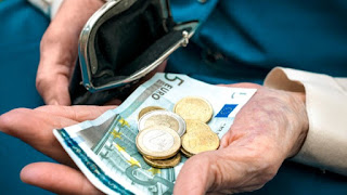 Δίνουν εισφορές 58.000 ευρώ για να πάρουν επικουρική 130 ευρώ!