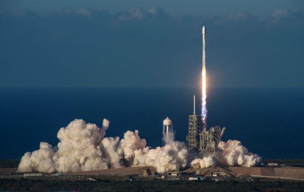 SpaceX - peluncuran