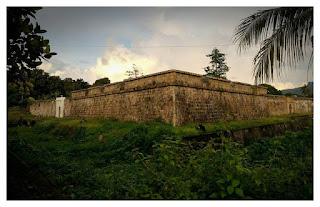 Benteng Nassau Benteng Peninggalan Belanda di  Kepulauan Banda Naira Maluku