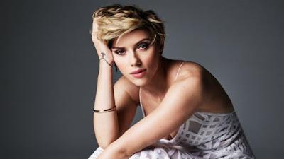 Scarlett Johansson vai enfrentar Transformers 5 nas bilheterias