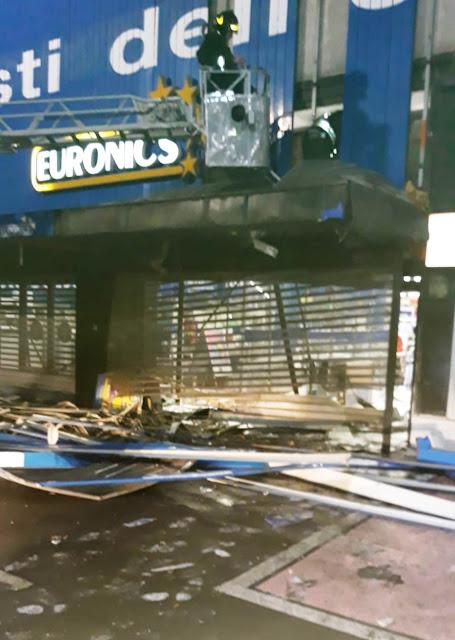 E siamo a 4. Altra bomba a Foggia ad un esercizio commerciale. Colpito Euronics al Villaggio Artigiani. Il racket alza il tiro