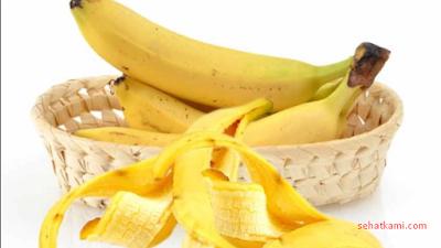 mengobati mata ikan dengan pisang