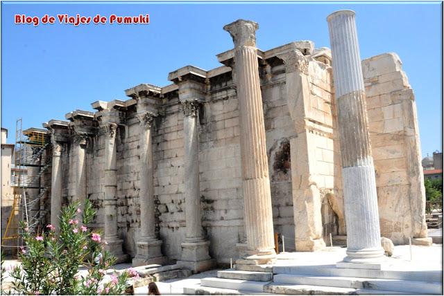 La Biblioteca de Adriano en Atenas fue construida por el emperador romano en el año 132.