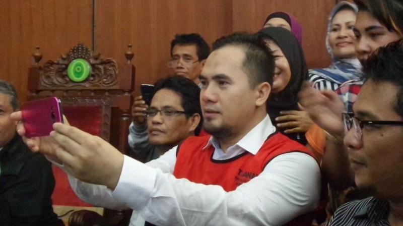 Saipul Jamil sibuk berselfie ria di PN Jakut