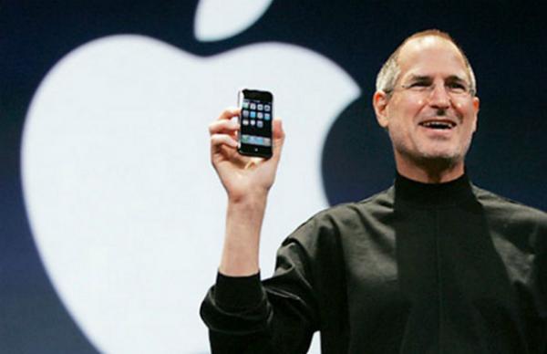 بالفيديو: هكذا أعلن ستيف جوبز عن انطلاق الآيفون قبل 10 سنوات