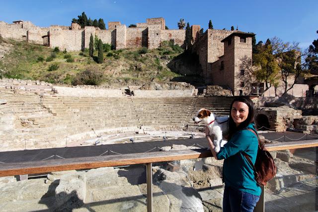 Amy y Lena en el teatro romano y la Alcazaba de Málaga