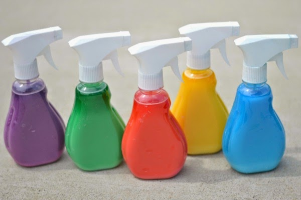 SPRAY CHALK:  Easy to make & so fun! (only 3 ingredients!)