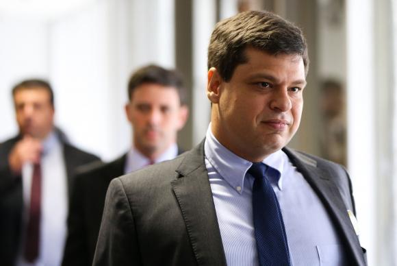 """Ex-procurador nega crime, mas diz que fez """"uma lambança"""" no caso J&F"""
