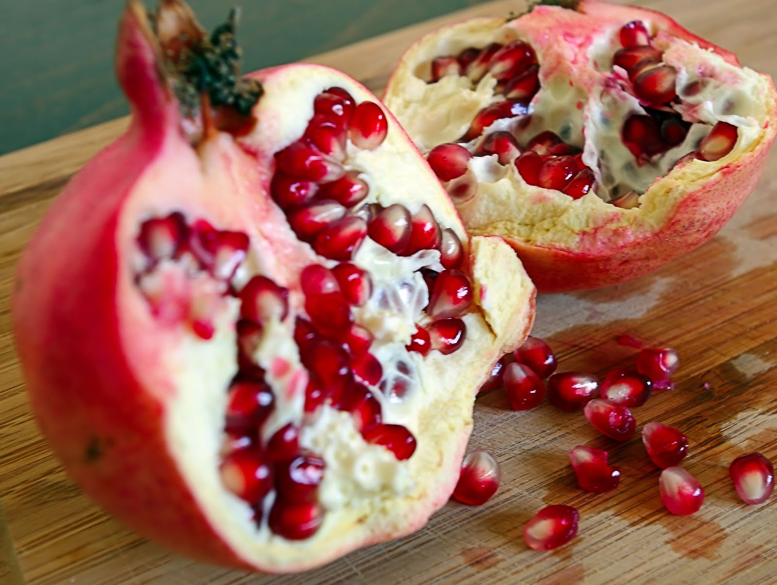 A Letter From Israel What Is The Connection Between Pomegranates