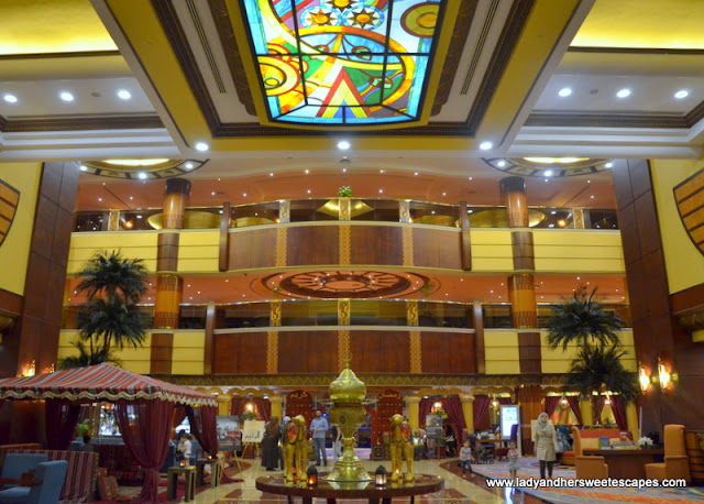 Al Raha Beach Hotel lobby